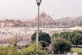 अक्षरधाम मंदिर कैसे पहुंचे, बस, टैक्सी अथवा मेट्रो